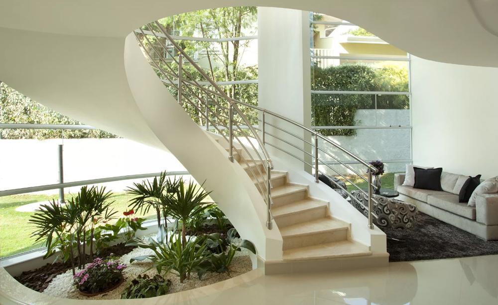 Lỗi thiết kế phong thủy gầm cầu thang khiến gia chủ hao tài, hại sức khỏe