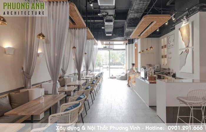 thiết-kế-nội-thất-quán-cafe-sang-trọng. Sang trọng nhưng không gây choáng ngợp, tạo sự gần gũi thân thiện với khách hàng