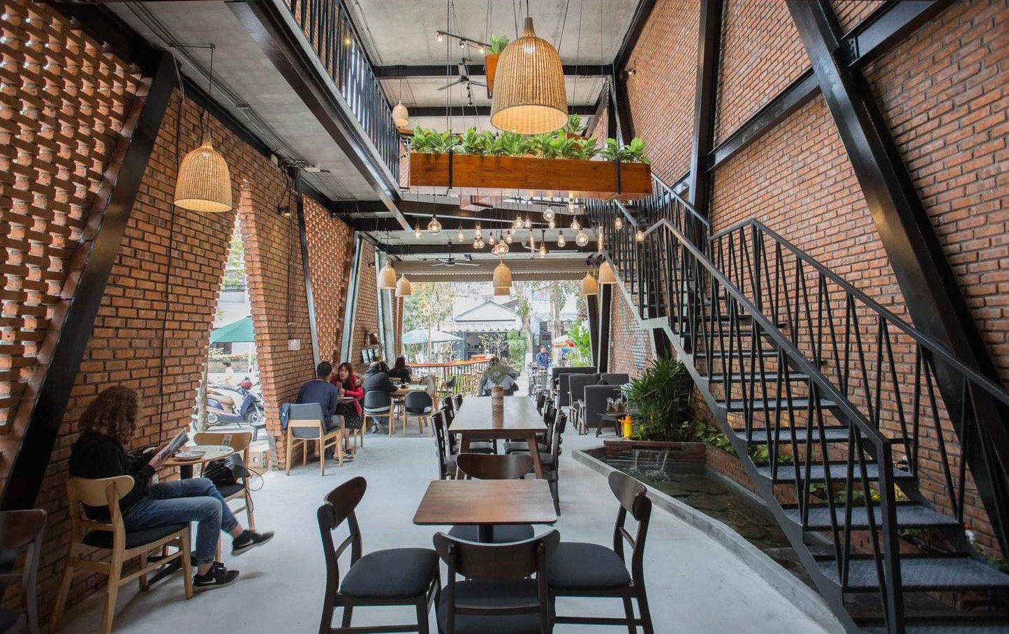 Thiết kế quán cafe không gian rộng với nhiều nét độc đáo khiến khách trầm trồ thích thú