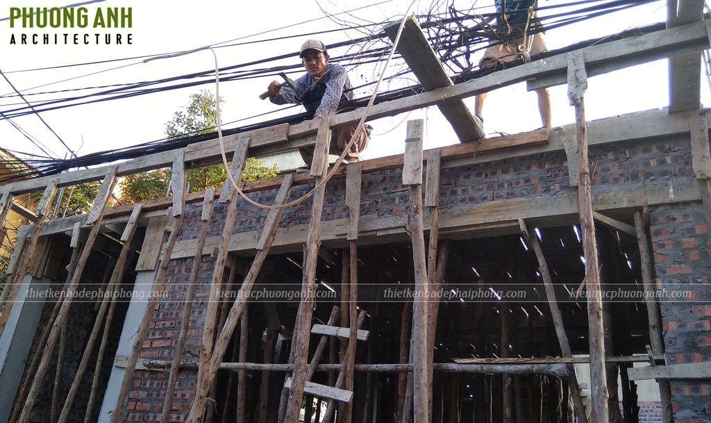 Đổ bê tông mái tầng 1 | Xây dựng & Nội thất Phương Vinh