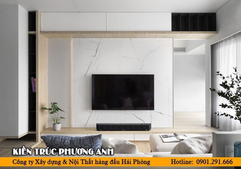 Bố trí sofa dựa tường hướng ra hành lang chính hoặc cửa ra vào